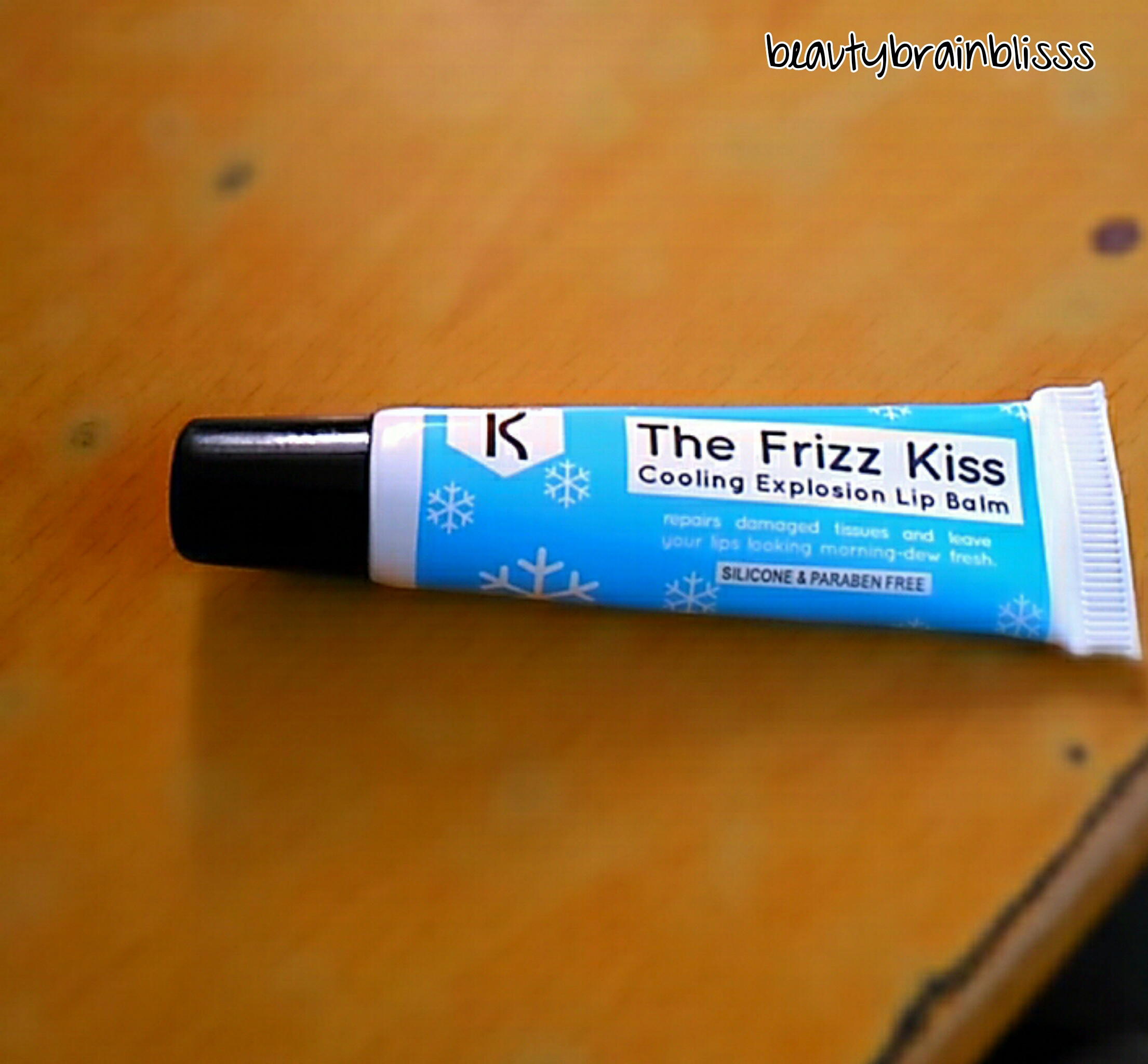 quickiekronokare-the-frizz-kiss-lip-balm